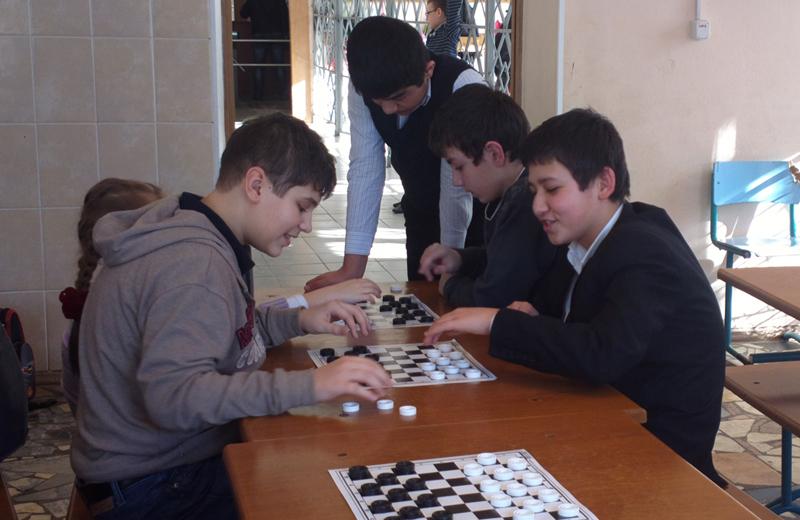 Турнир по шахматам и шашкам