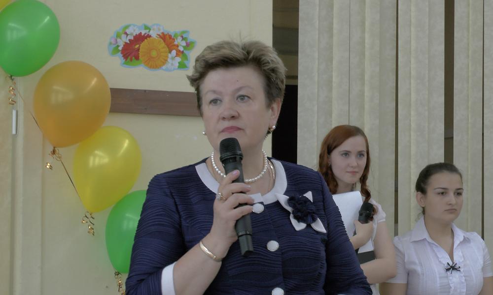 Илюшина Н.В. - первый учитель 9Б